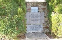 Plaques commémoratives au cimetière Saint-Pierre de Coutances (ouvert du 28 au 30 avril 2012)