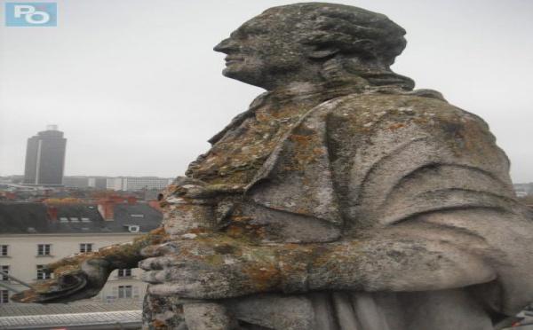 Louis XVI prend un coup de jeune à Nantes !